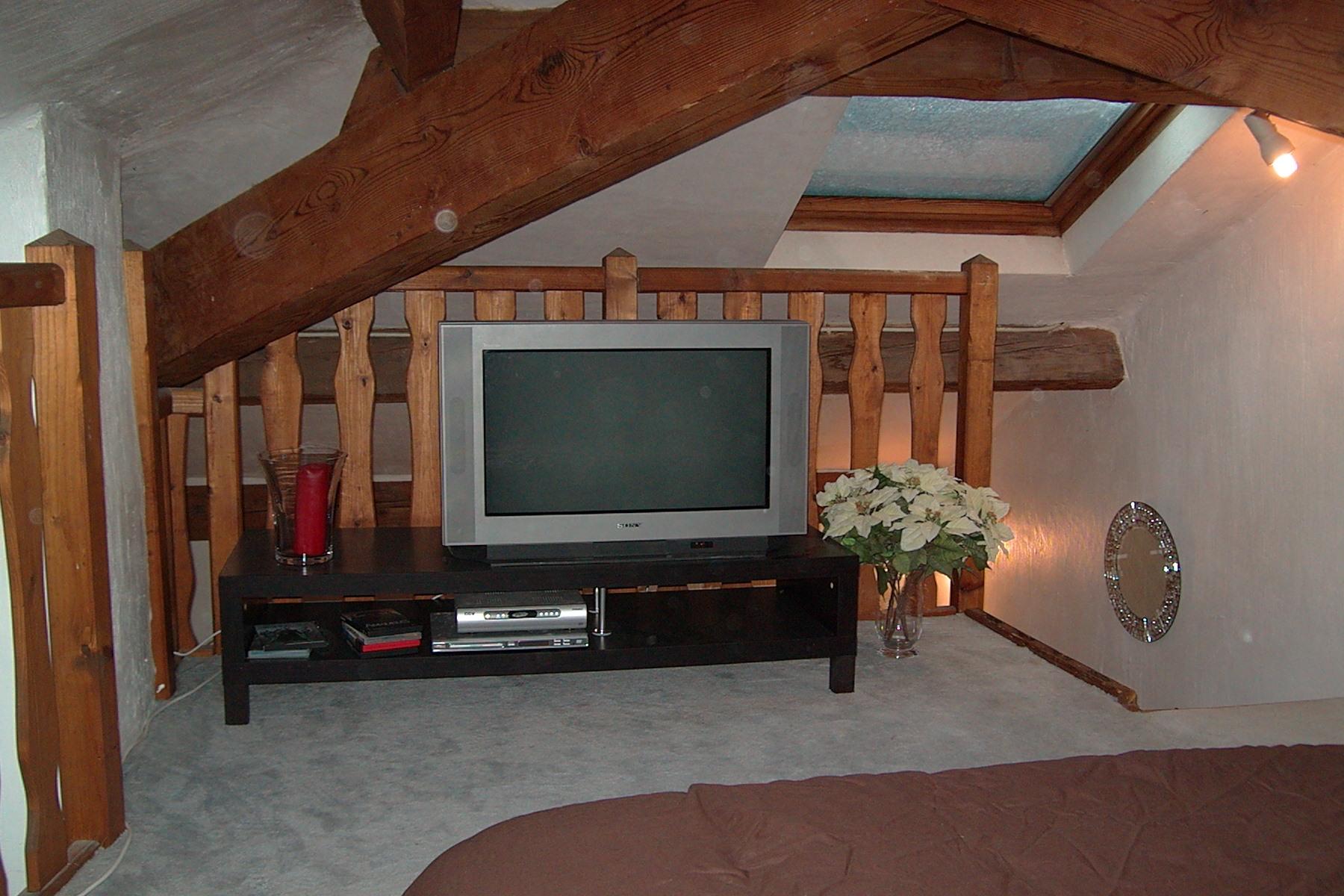 chateau de la rostolane. Black Bedroom Furniture Sets. Home Design Ideas